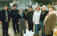 EKİM 2006 BÜLTENİ RAMAZANDA KÖMÜR DAĞITIMI KASIM 2004 AKHİSAR ŞUBESİ.jpg