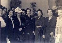 1948 YILINDA MEVHİBE İNÖNÜ ÜYELERLE BİRLİKTE.tif