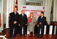 2002 74ÜNCÜ YIL BİRSEN ELDEM TALEBELERLE .jpg